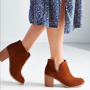 Urban Outfitters Brown Suede booties